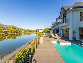 Exquisite new Pool House on Pearl Valley Golf Estate - secure and exclusive