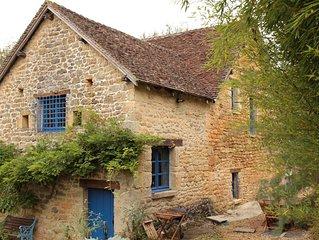 Très belle maison pierres et poutres apparentes avec piscine privée pour 10 pers