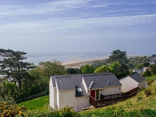 luxurious holiday home with wonderful views over Cardigan Bay