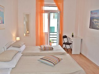 Split-center- Four bedroom apartment near the beach Bacvice