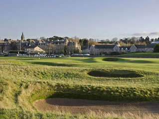 1 Links Crescent 5 Star Selfcatering House Overlooking Old Course in St Andrews