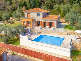 Luxury Villa, amazing view, unique holidays
