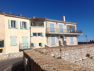 Azure: Stunning, waterfront townhouse in the Ramparts of Old Antibes