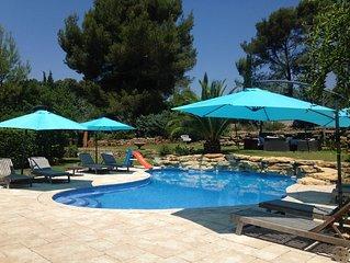 Magnifique villa avec piscine privée, salle de sport, terrain de boules privé