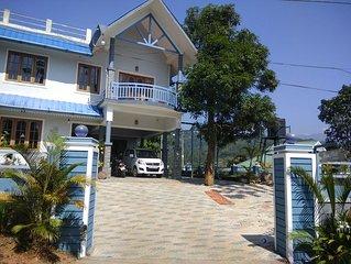 4 Bedroom Villa with Balcony Mountain View