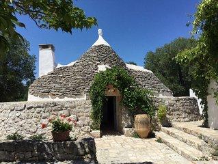 A pochi km da Ostuni e Cisternino...una perla tra gli ulivi