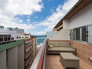 Atico con terraza y vista al mar