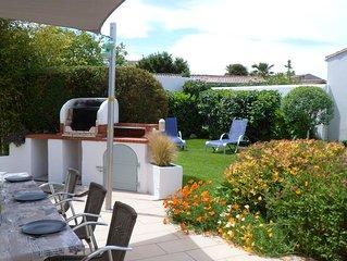 Le Bois-Plage  'La Rabouillère' Grande maison avec terrasse et jardin