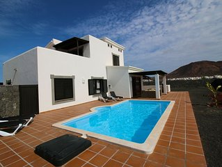 Casa Leila - An adults-only, luxury, private villa to rent in Faro Park!