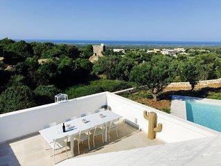 Stunning Stone Lamia with Pool, Panoramic Sea Views & walking distance to Ostuni