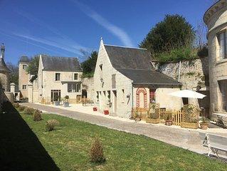 Cottage de la Tour 4 pers, piscine parc -Meublé de tourisme 5* Azay le rideau