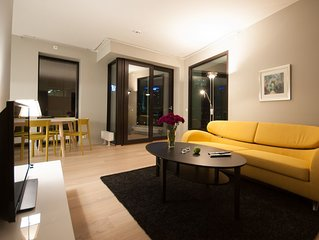 Exclusive, modern and central apartment. Fully equipped and furnished.