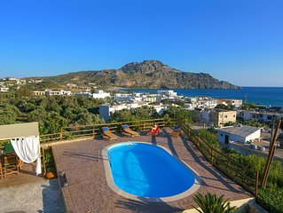Villa Ellis w/ Private Pool★200m from Beach★Walk to restaurants, bars & shops
