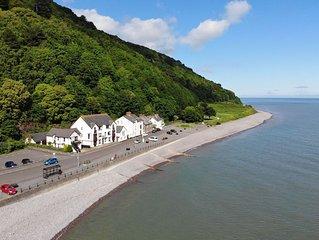 Seagulls Rest, Minehead - sleeps 7 on the coast with sea views