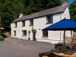 5-bedroom farmhouse close to the North Devon coast and with excellent onsite lei