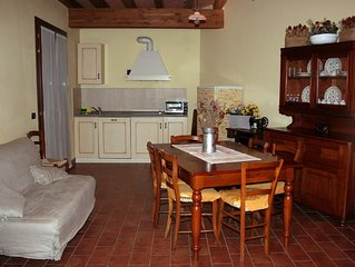 Corte Stellata holiday apartment in a rural context near River Po