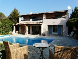 185m2 modern Provencal house, with swimmingpool in a quiet area - beautiful view