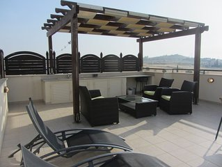 Penthouse Type Apartment Close To Pyla Village And The Sea