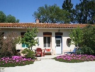 Idyllic Gite With Pool On Chateau Wine Estate