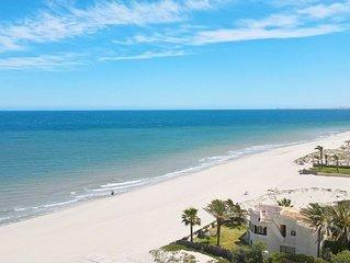 BEAUTIFUL APARTMENT. *ABSOLUTLEY  STUNNING  Mediterranean / Beachfront Setting *