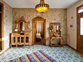 Villa Stone House center in Girne