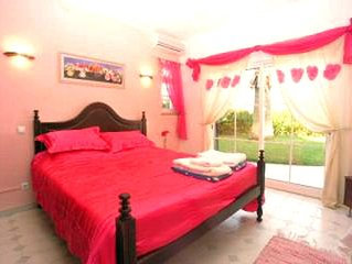 Luxurious,Spacious Villa with Heated Pool,Games Room,Full A/C-Heating,Internet.