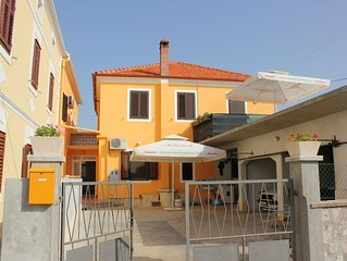 One bedroom apartment with terrace Pašman (A-8295-a)