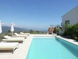 Luxurious Villa in Frejus with Private Swimming Pool
