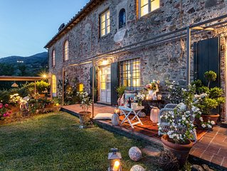 7 Bedrooms Luxury Farmhouse in LUCCA, Outdoor and Indoor Heated Swimming Pools