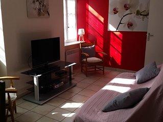'Les Vautours' Large riverside apartment