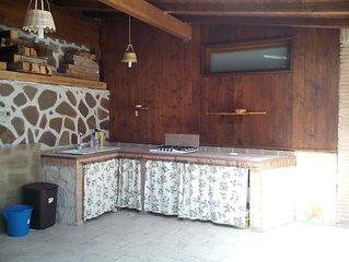 Appartamento con piscina in villa