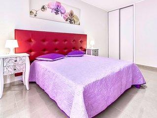 Gorgeous apartment near La Pinta beach