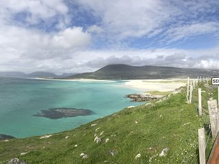 Beachside 5 bedroom property in stunning West Harris location
