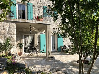 NEW! Villa Pinjol - Romantic Family-Friendly House near Dubrovnik and Split