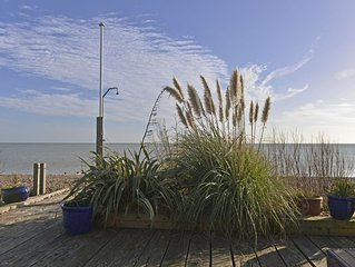 Tides Cottage - glorious sea views in Pevensey Bay
