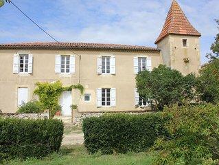 Maison gasconne avec pigeonnier dans une propriété de 2 hectares