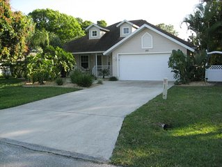 'Old Florida Style' Home with Heated Pool & Spa - Near Beaches