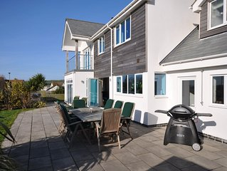 Seascape Croyde with private Hot Tub and 5 minute walk to Croyde Bay Beach