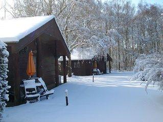 Heated Indoor Pool. 2 bed lodge sleeping 4 set in 5 acres of beautiful Woodland