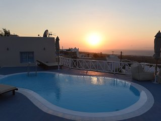 Luxury Villa 5 suites. Amazing seaview and sunset. Private Pool & Jacuzzi