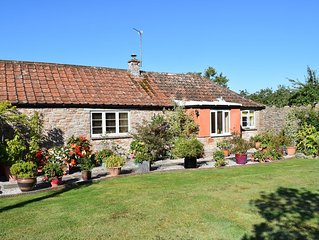 Peaceful Rural Cottage With Views Of The Mendip Hills AONB & Somerset Levels