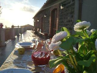 panoramicissima villa tipica siciliana con grande terrazza e giardino con agrumi