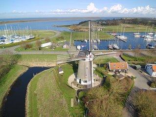 MOLEN de Haan in Brouwershaven op de mooiste plek van ZEELAND