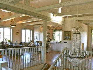 Havsnära unikt 1700-talshus på Resarö, Stockholms skärgård
