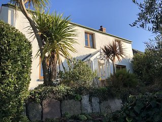 Rosehill Cottage Slapton, South Devon. Pet friendly, 4 bedrooms- sleeps 7