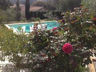 Détente et vue imprenable au cœur de la Provence/ 20mn AVIGNON/ Villa 8 p
