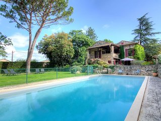 Nice apartment for 6 guests with private pool, WIFI, TV, pets allowed and parkin