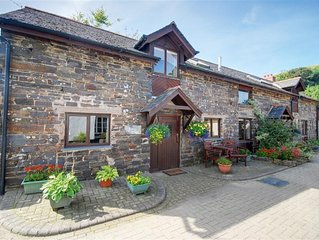 Dairy Cottage - Two Bedroom House, Sleeps 6