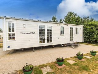 Luxury Dog friendly caravan in Norfolk near Great Yarmouth ref 10017