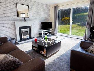 Lovely Modern 2 Bedroom Apartment